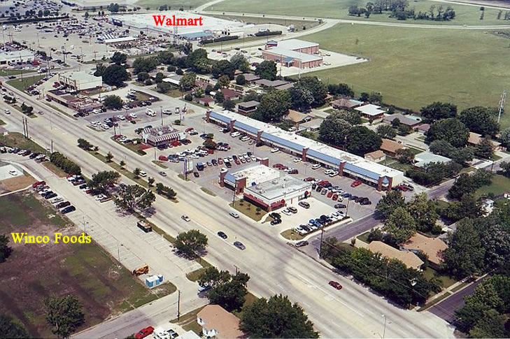 Aerial view of Plaza North Shopping Center
